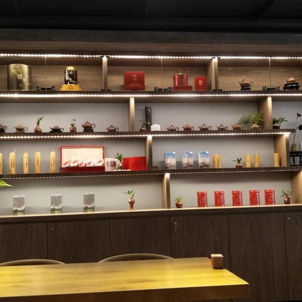 DIN DING TEA Restaurant津鼎茶, Cafe Restaurant cuisine at